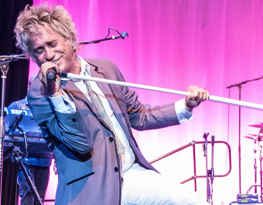 Atlantic Crossing – The Ultimate Rod Stewart Tribute